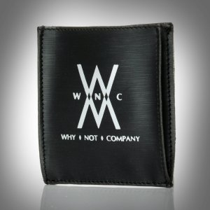 why-not-company-pochette-noir satin logo argent